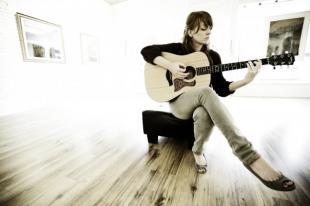 Eva Ellingsworth - Sandcastle Dreams - Halcyon Bird EP  www.evaellingsworth.com